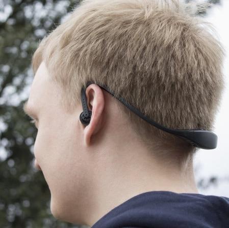 les écouteurs bluetooth Plug N Go Sports possèdent des touches intégrées