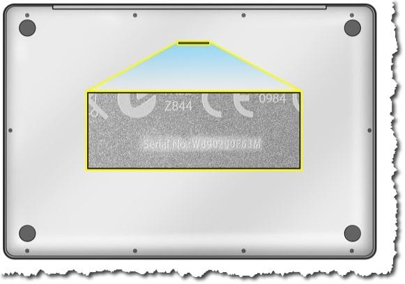 Pour les Macbook, le numéro de série est gravé dans la coque en dessous des icônes de réglementation