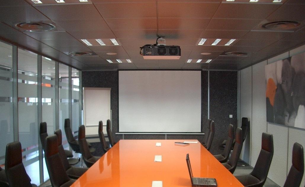 Un vidéoprojecteur performant pour vos conférences et réunions de travail.
