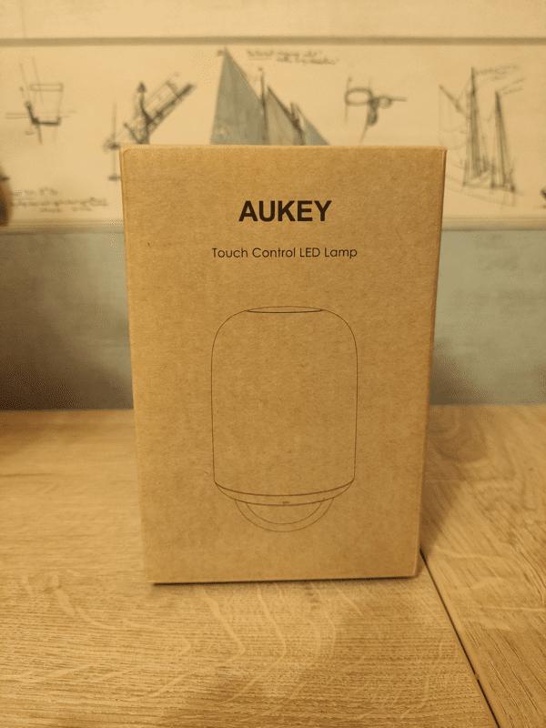 Présentation lampe de chevet portable Aukey LT-T8
